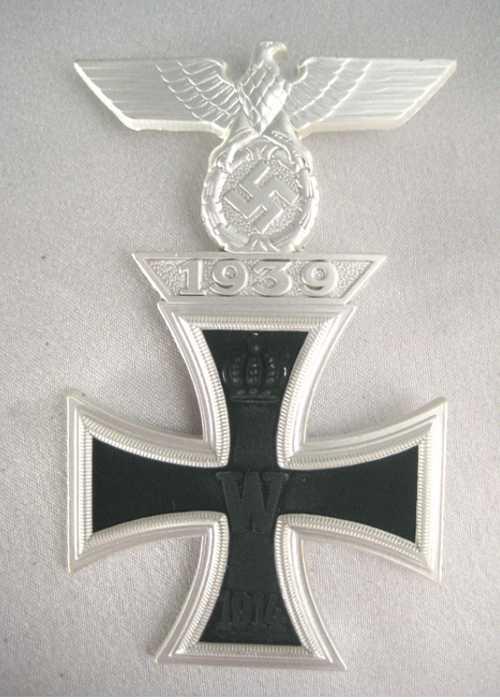 1939 Spange mounted on 1914 EK11. WW2 1939 Spange bar mounted on WW1 iron cross.