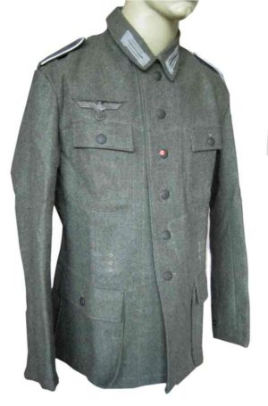 Heer M43 Field Tunic with insignia.