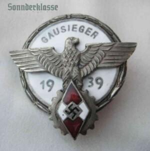 Hitler Youth Kreissieger 1942 badge