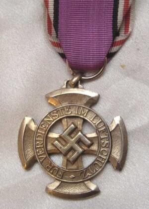 WW2 German luftschutz Medal 1st class-Sonnderklasse