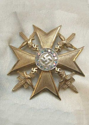 Spanish cross in gold with diamonds